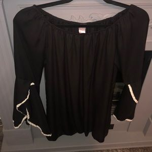 Bell Sleeve Tunic Top Black with Lace Accents Sz M